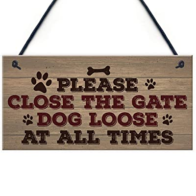 Sign Please Close The Gate Novelty Hanging Christmas Plaque Gift Security Garden Fence Family Pet Present: Home & Kitchen