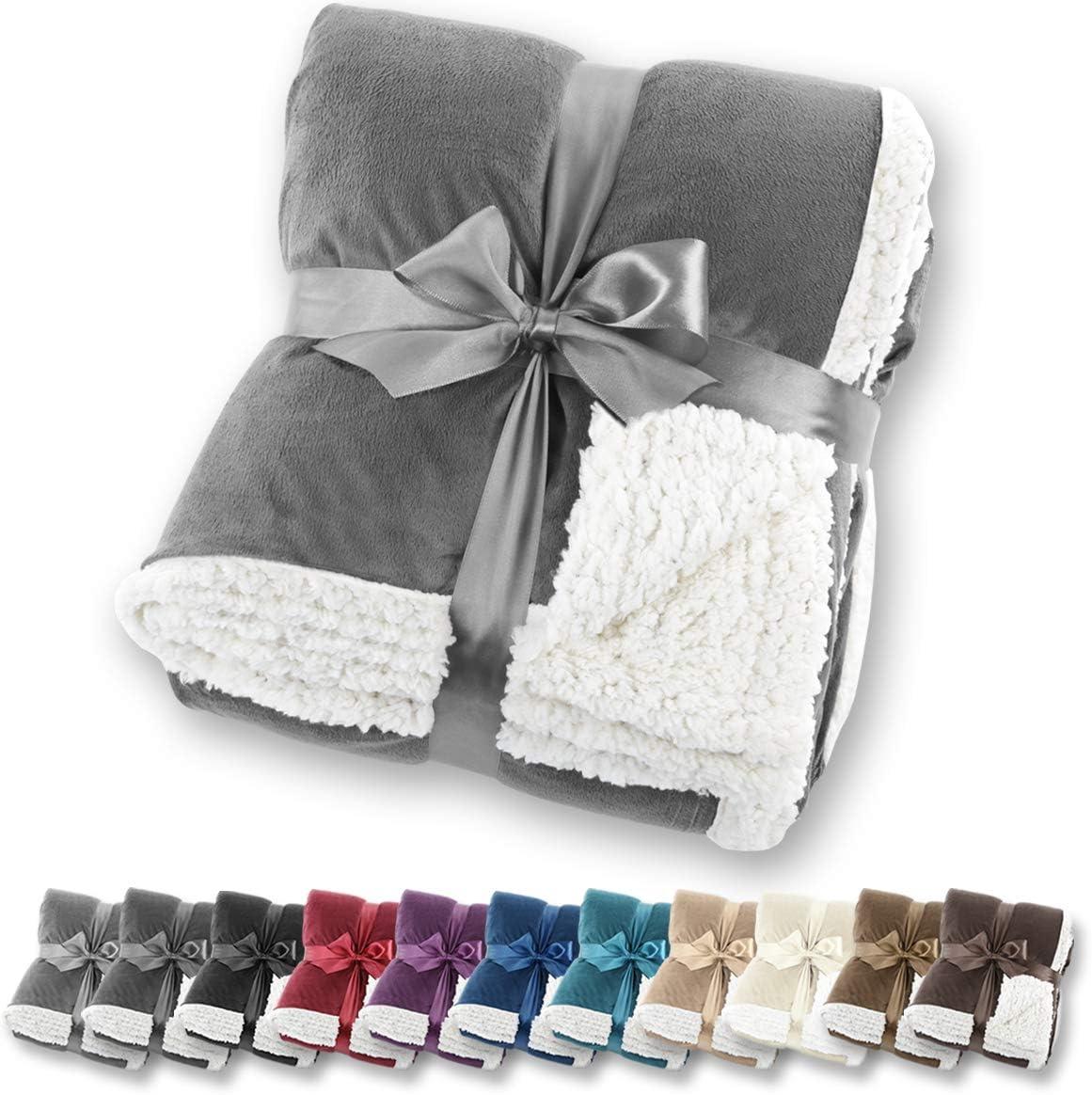 Manta de aspecto de piel de cordero Gräfenstayn® - Varios tamaños y colores - Manta para la sala de estar - Manta de microfibra de franela (Gris, 240x220 cm)