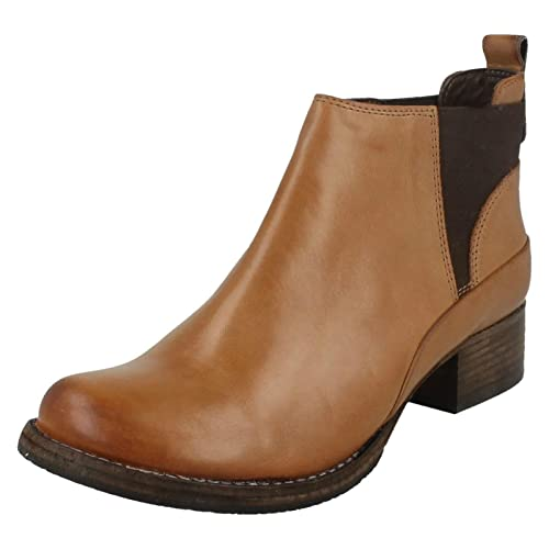 ebeea6a3e18 Clarks Ladies Ankle Boots Monica Pearl  Amazon.co.uk  Shoes   Bags