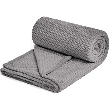 NEWCOSPLAY Luxury Super Soft Throw Blanket Premium Silky Flannel Fleece Leaves Pattern Throw Warm Lightweight Blanket Wrinkle-Resistant and Breathable All Season Use Grey Throw