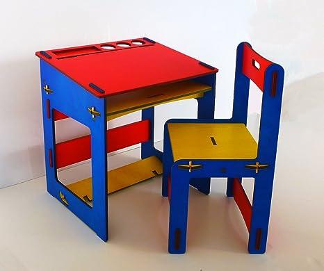 New Milto Srl - Mesa para niños de madera con silla.: Amazon ...