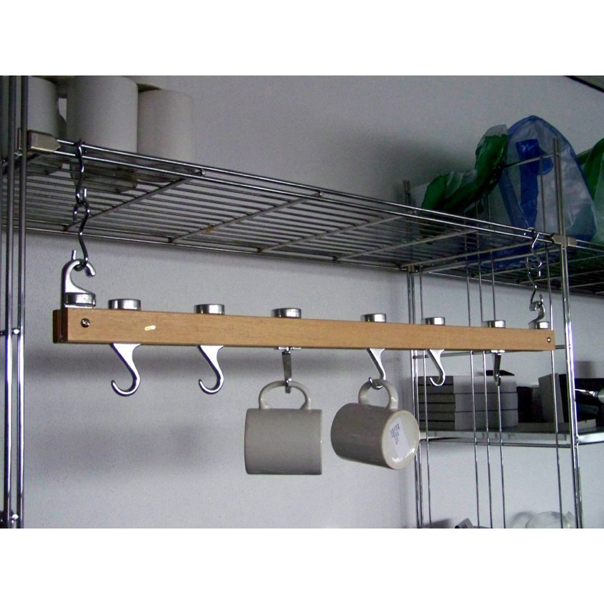 Pfannen Aufhängen töpfehänger tassenhänger hängeleist amazon de küche haushalt
