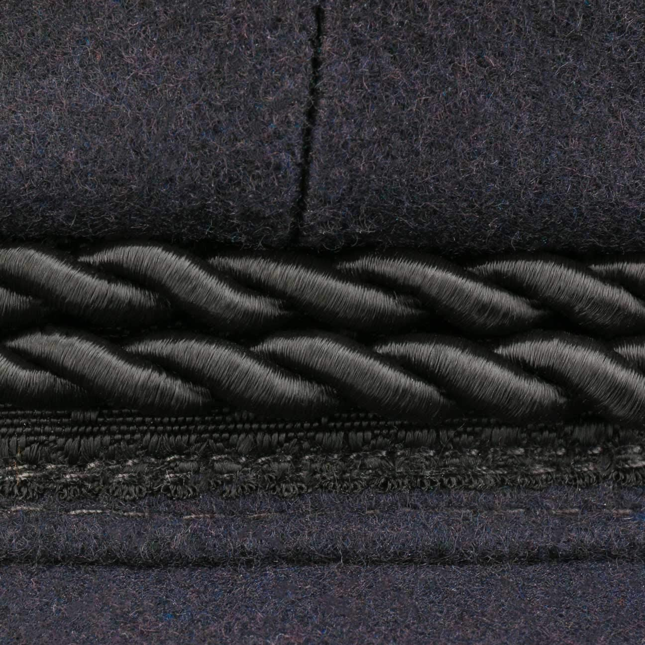 HAMMABURG Elbsegler M/ütze Blau f/ür Herren Schirmm/ütze mit Kordel 61 cm kurzem Visor und schwarzen Kn/öpfen Matrosenm/ütze aus Tuch Gr/ö/ßen 53 cm traditionelle Kapit/änsm/ütze mit Innenfutter