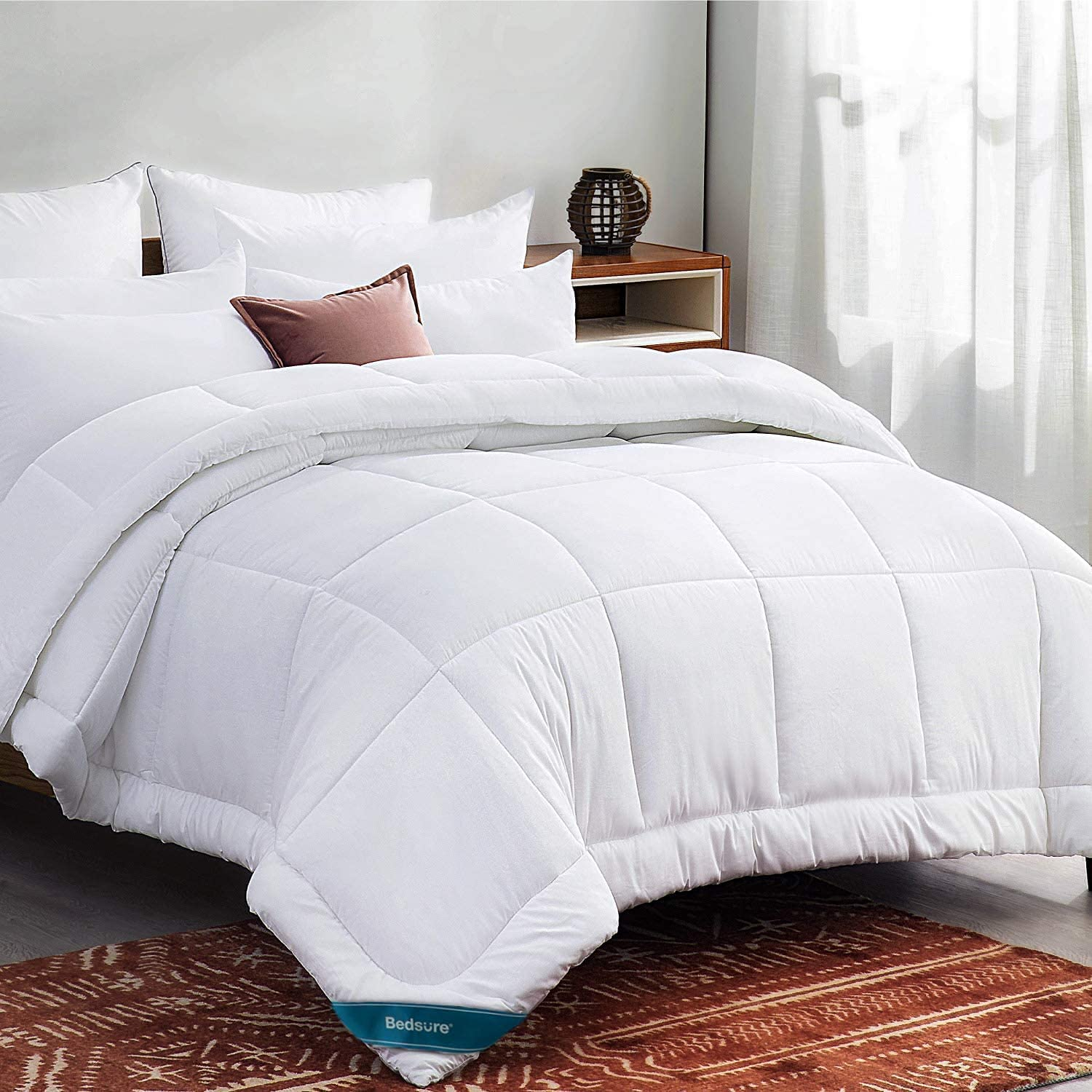 Bedsure Twin Comforter Duvet Insert White   Quilted Bedding Comforters for  Twin Bed,All Season Down Alternative Comforter Twin Size with Corner Tabs