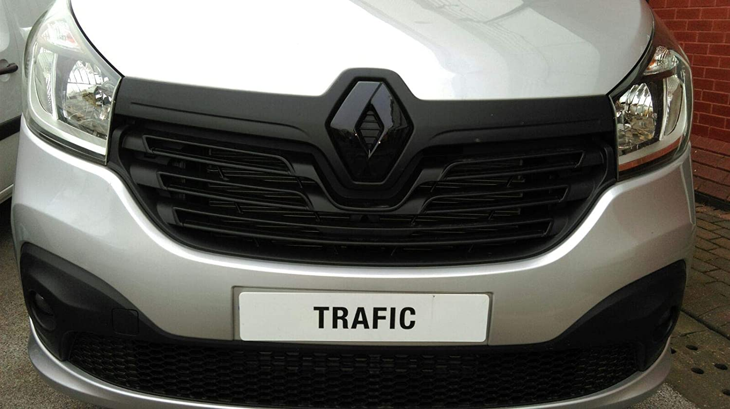 blue carbon effect badge cover front, 2014+ Diamond Performance Renault Trafic Facelift
