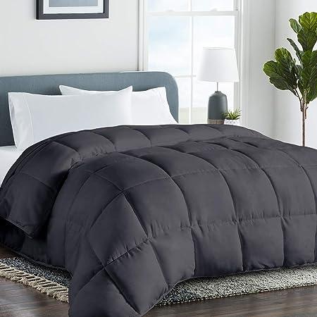 Lightweight Down Alternative Comforter