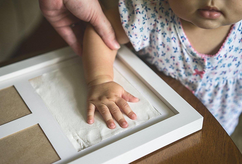 Demarkt 1x Sólido Madera Un marco de Portada Huellas de Manos Barro Bebé Regalos Manos Pie Molde Regalo conmemorativo para Niño: Amazon.es: Hogar
