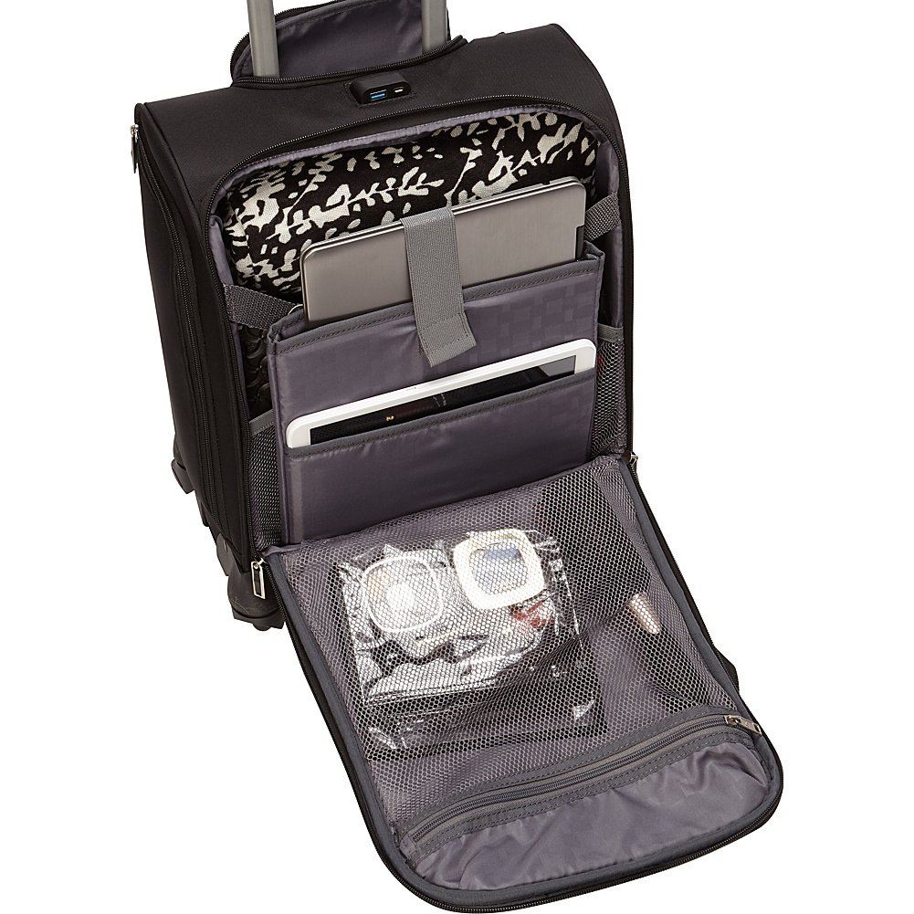 39b7ae0e18e Amazon.com   Spinner Underseater with USB Port Black   Carry-Ons
