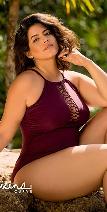 adc6e578884 Amazon.com: Raisins Curve Ola One Piece Swimsuit in Maroon Y840085-MAR 24W  / Maroon: Clothing