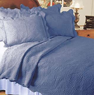 Elegant English Rose Matelasse Coverlet, Full/Queen, Blue