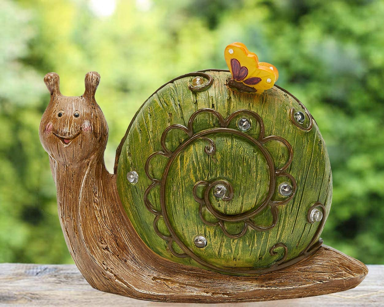 JHVYF Solar Powered Garden Light Resin Snail Figurine Butterfly Animal Sculpture Patio Lawn Yard Outdoor Statue with Solar LED Lights Art Ornaments,10x7.6Inch