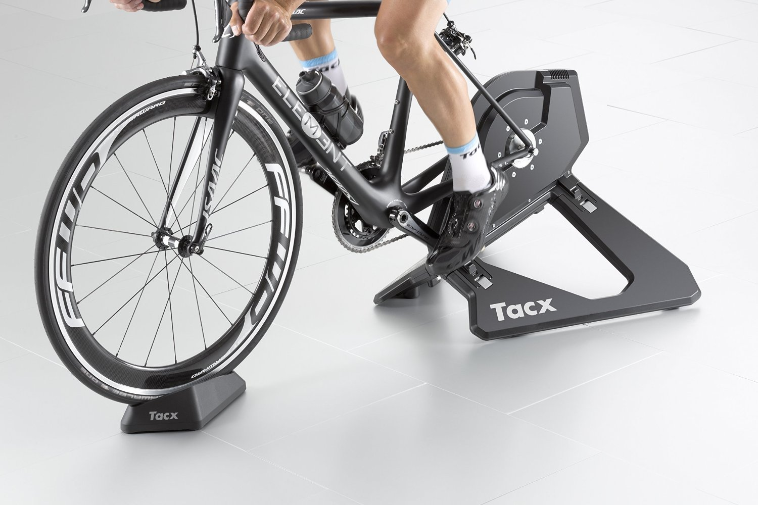 Tacx Neo Smart Direct Driver Trainer (with 11 Speed 11 28t Cassette)