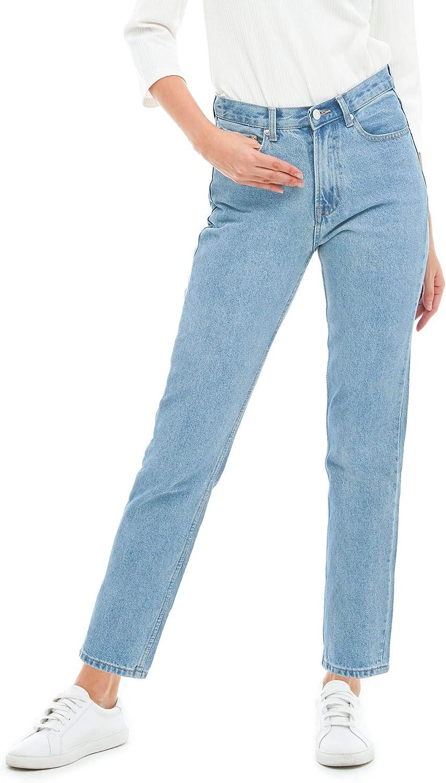 Women's Straight Leg Jeans...