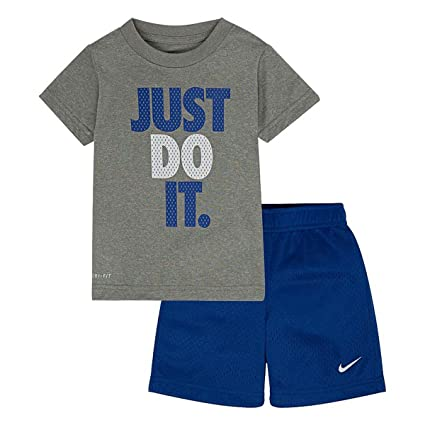 c85ce6ace Image Unavailable. Image not available for. Color: Nike Little Boys 2 Piece  ...