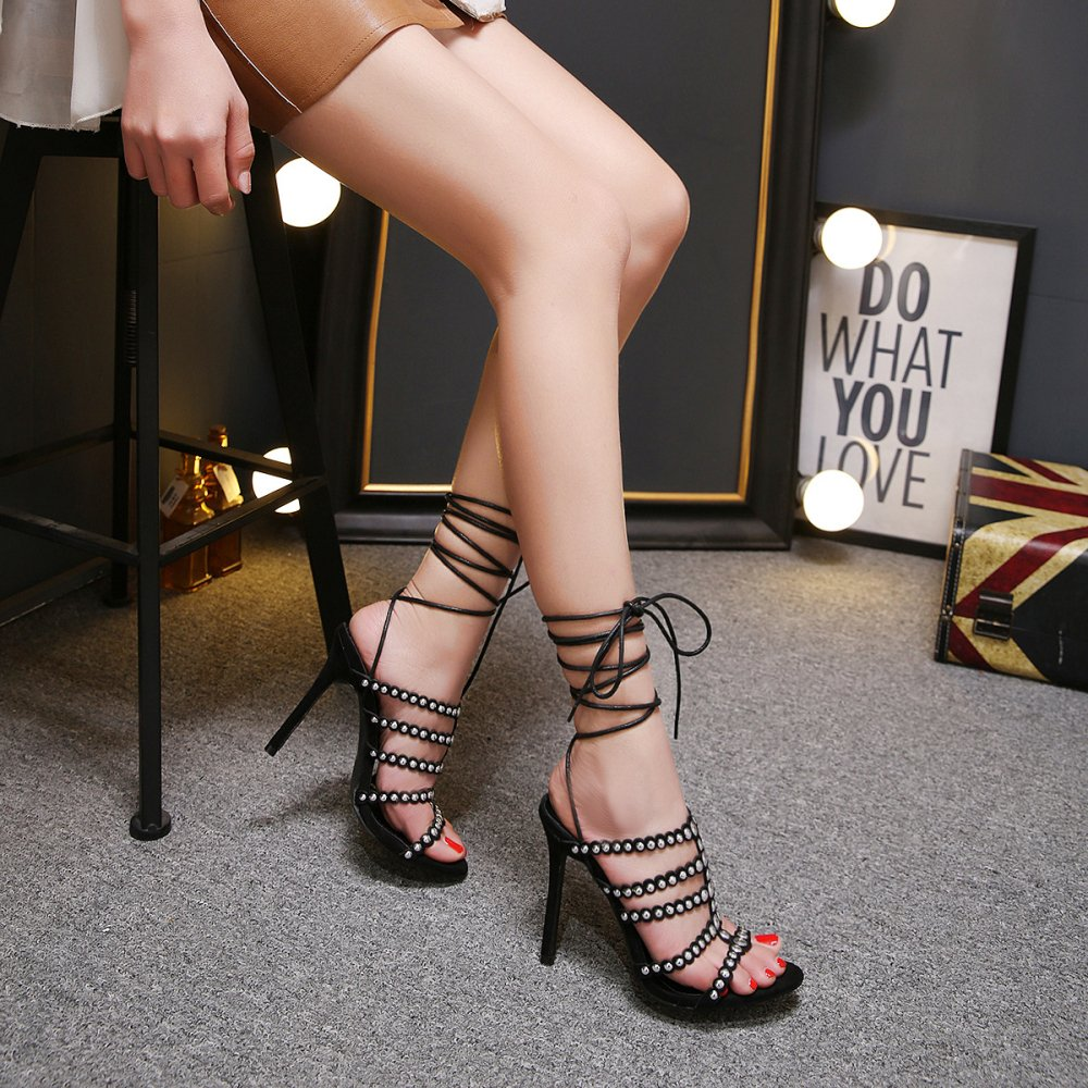 Frauen Schuhe Nieten Straps Extreme Extreme Extreme Stiletto Heels Peep Toe Knöchelriemen Slingback Club Abend Party Prom Sandalen schwarz 573360