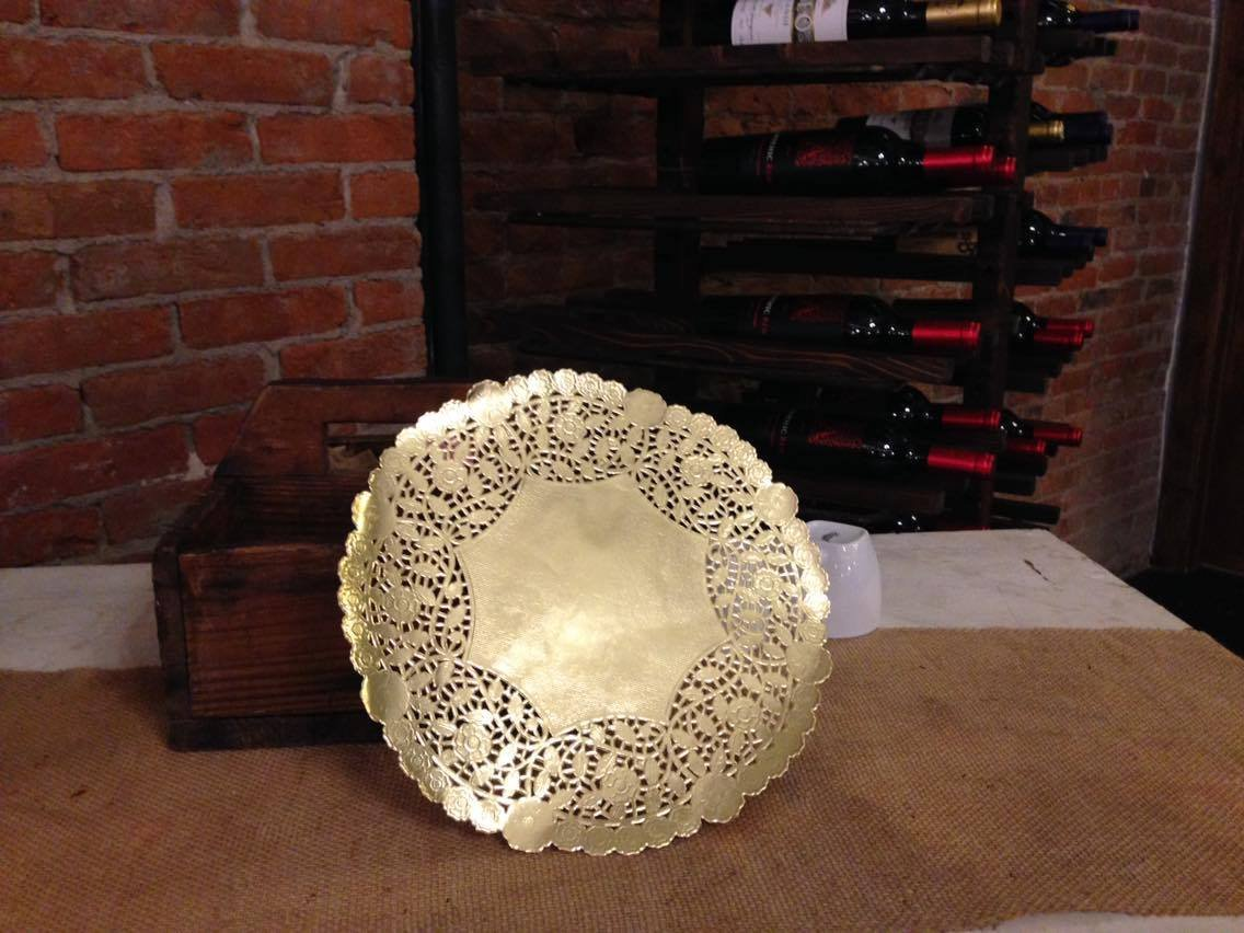 12'' Gold Foil Doily 50 Count Wedding Charger Plate