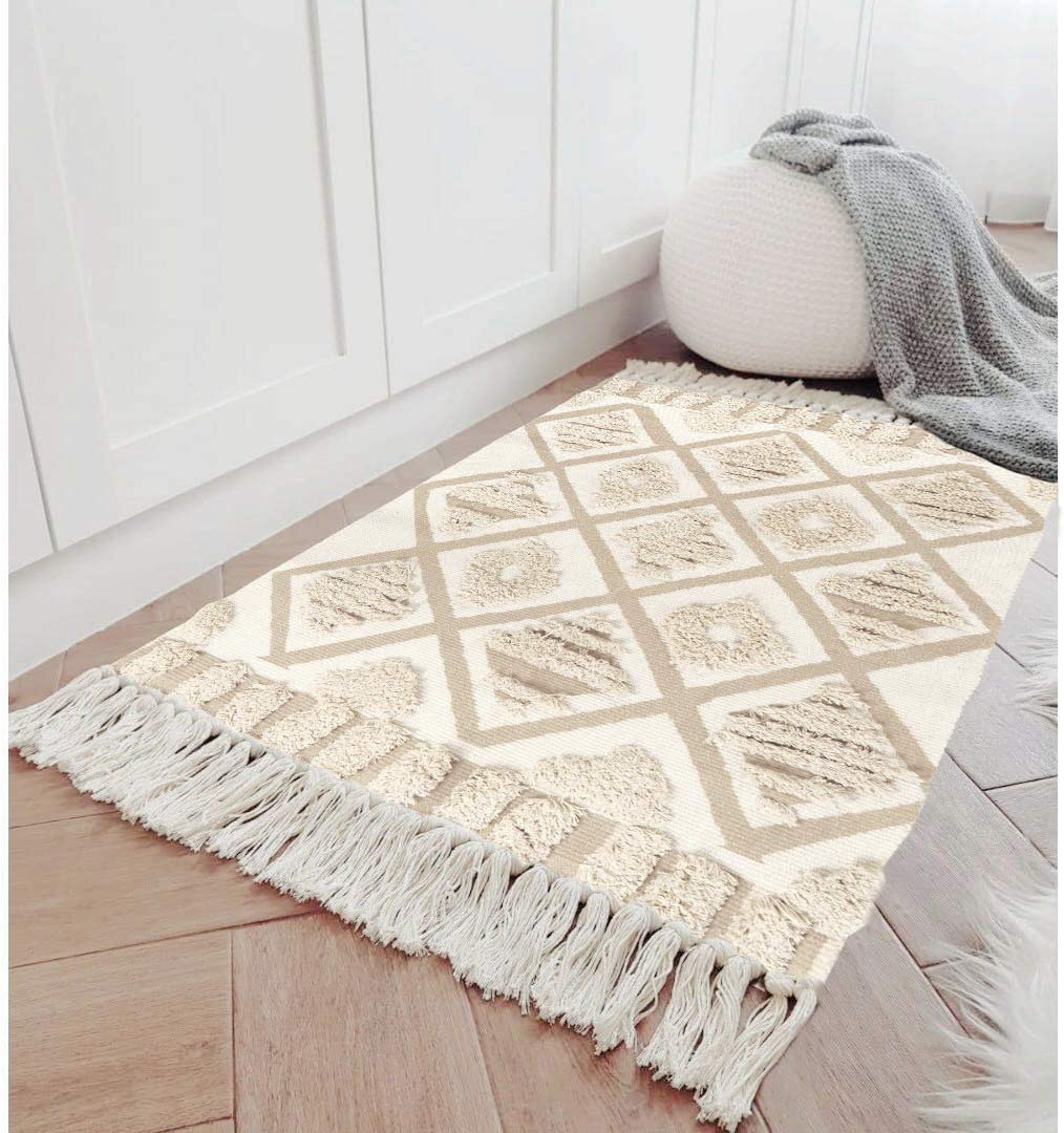 Amazon Com Seavish Tufted Cotton Area Rug 2x 3 Beige Geometric Hand Woven Fringe Throw Rugs Shag Accent Fringe Tassel Rug For Living Room Bedroom Bathroom Kitchen Laundry Dorm Kitchen Dining