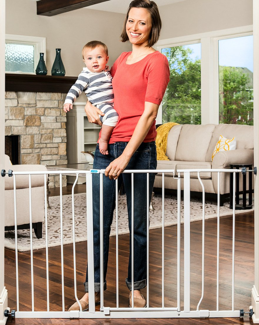 Amazon.com : Regalo Easy Open 50 Inch Wide Baby Gate, Pressure Mount With 2  Included Extension Kits : Indoor Safety Gates : Baby