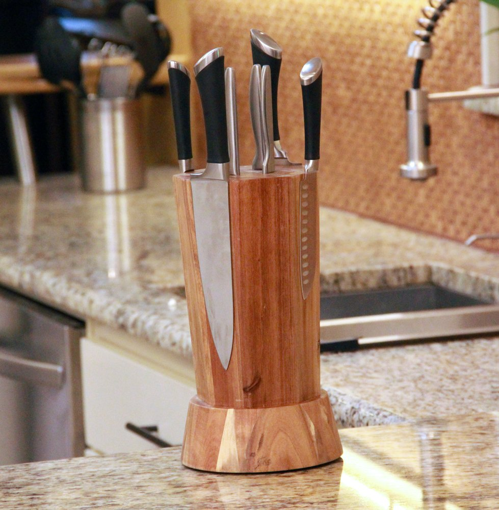 KNIFEdock REVOLUTION - This magnetic rotating knife block has revolutionized storing and displaying your knives. It showcases any knife both elegantly and safely, ensuring unparalleled ease of use.