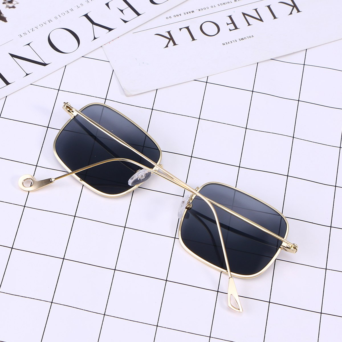 cdd479ff06c7 OULII Vintage Stylish Sunglasses Small Square Ocean Film Eyeglasses (Gold  Frame Gray Lens): Amazon.co.uk: Clothing