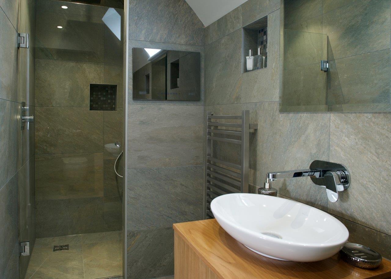 bathroom tv. 19 Inch Watervue Waterproof Bathroom TV  LG LED Screen Amazon co uk Electronics