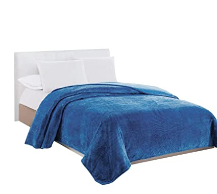 Amazon.com  GoodGram Ultra Plush Premium 100% Hypoallergenic Cozy ... e47894fdd