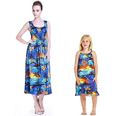 e69b8765ad5 Hawaii Hangover Mutter und Tochter die Hawaii zusammenbringen Luau  Maxikleid Mädchen Tunika im Sonnenuntergang 2 Farben Kleider  Amazon.de   Bekleidung