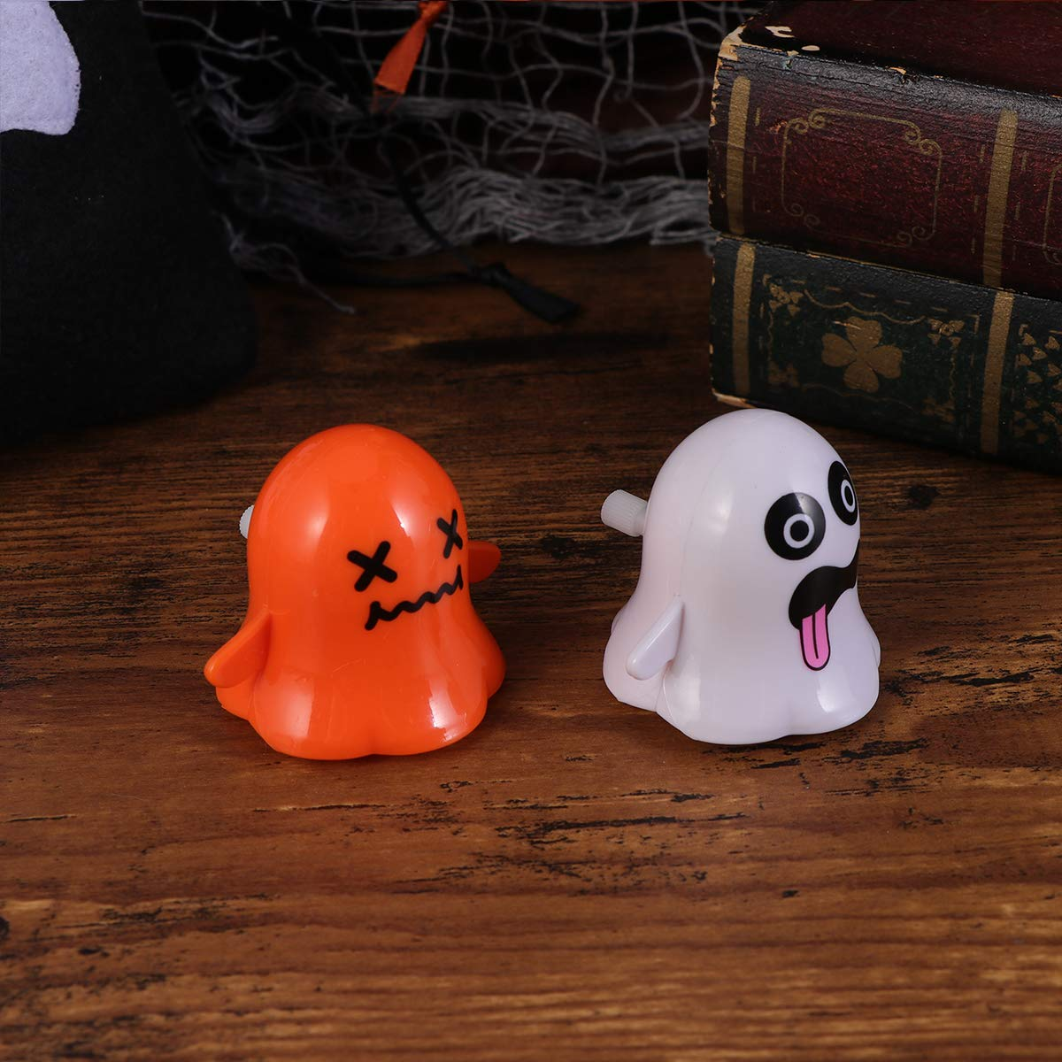 AMOSFUN Halloween Wind up Toys Ghost Clockwork Toys Walking Props Novelty Mini Toys Funny toy Ornament for Halloween Party Kids Favors 2pcs