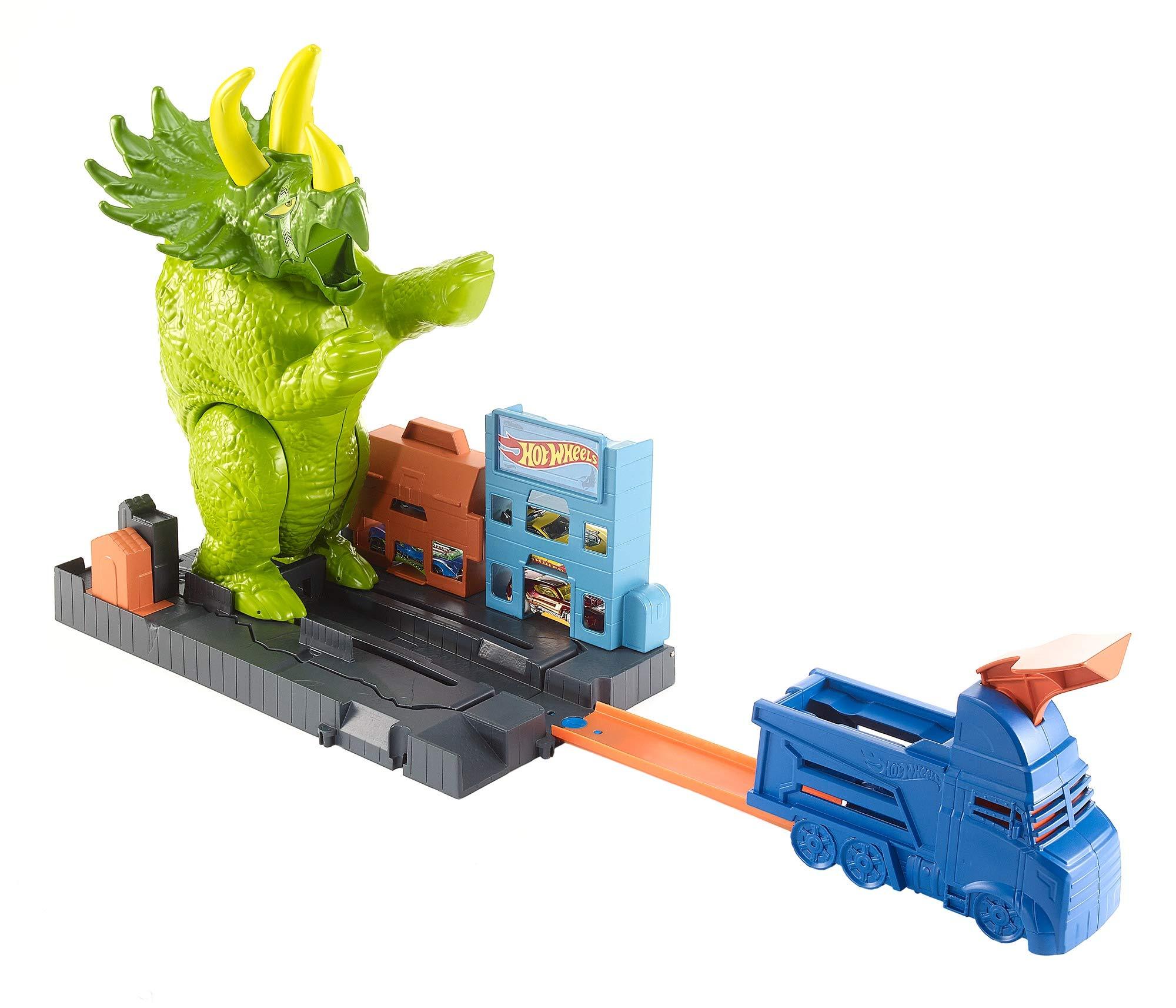 Hot Wheels GBF97 Triceratops Play Set Launcher Vehicle, Giant Dinosaur Nemesis, Multicolour
