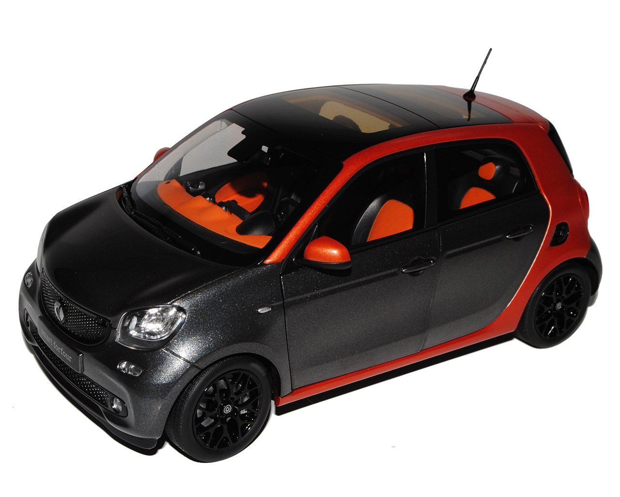 Norev Smart ForFour 4 Türer W453 Grau mit Orange Ab 2014 1/18 Modell Auto mit individiuellem Wunschkennzeichen