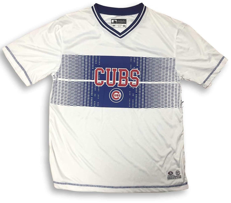 promo code e9da1 7ff9f Amazon.com : True Fan Chicago Cubs Cool Base Dri Fit V-Neck ...