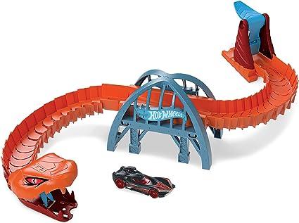 Amazon.com: Hot Wheels Viper Bridge Attack Play Set, Creatures are Taking Over City, Multi: Toys & Games