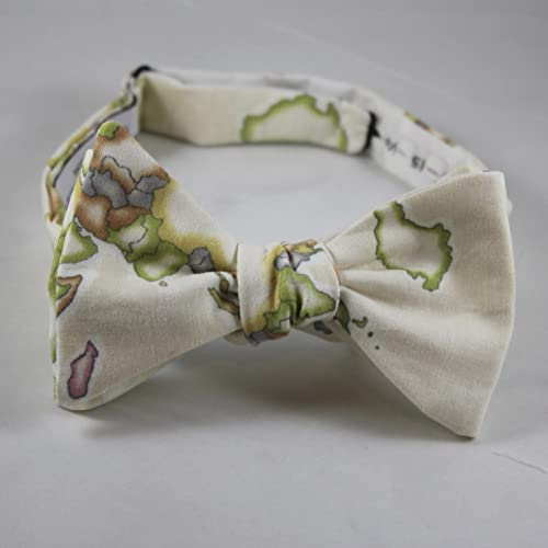 5b6da351b361 Amazon.com  Cream World Map Bow Tie - For men or boys - Clip on