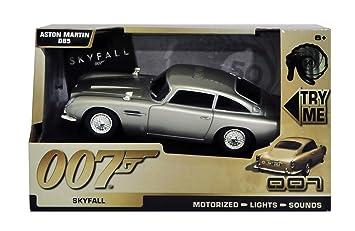 James Bond Aston Martin Db5 With Motorised Light Sound Amazon Co