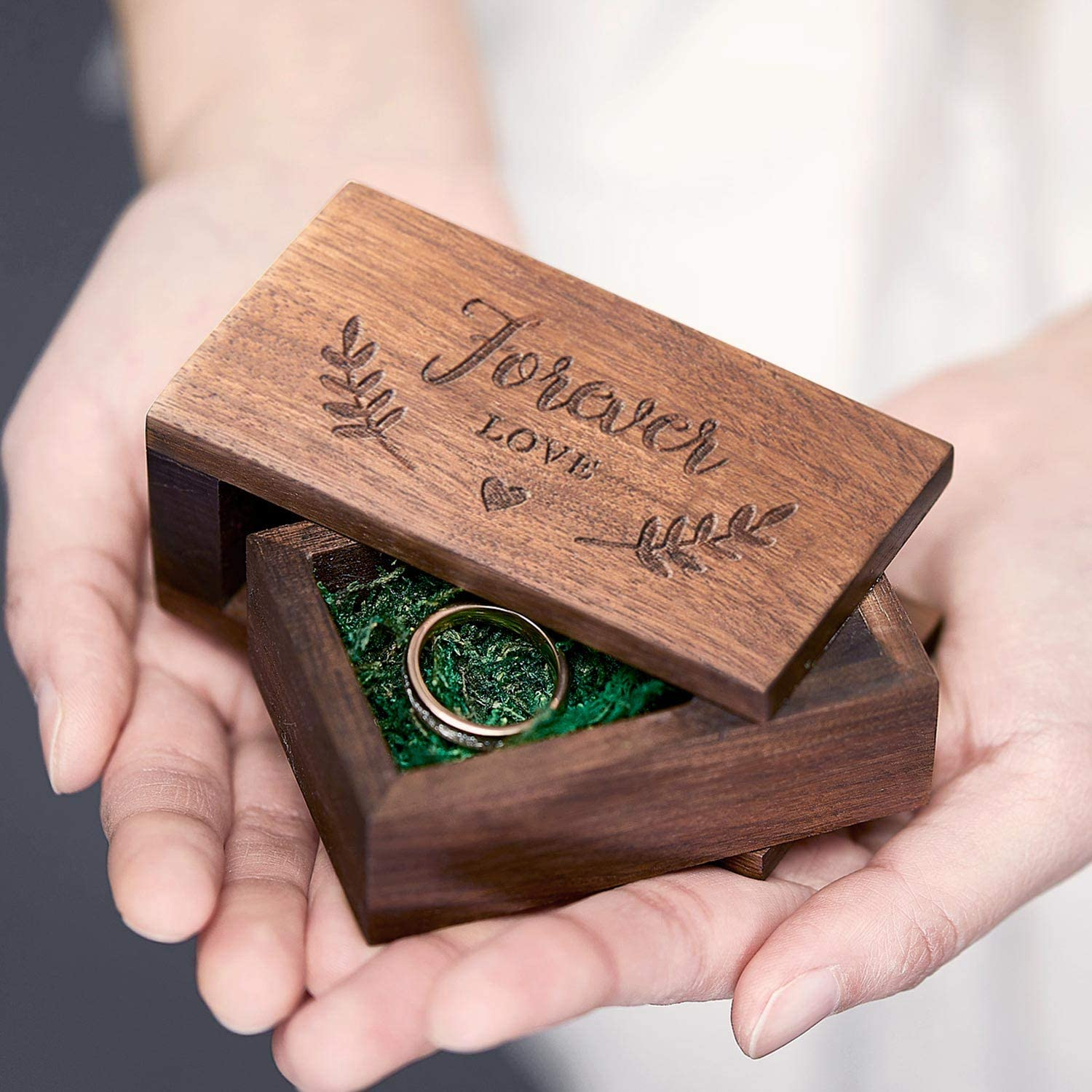 AW BRIDAL Wooden Wedding Ring Box Vintage Engraving Ring Bearer Pillow Box Rustic Engagement Ring Holder Decor Gift for Wedding Ceremony
