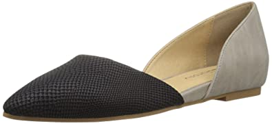 7326c31e7 CL by Chinese Laundry Women's Hearty Pointed Toe Flat, Black/Grey Snake, 6