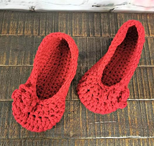 3311186614bd1 Womens red handmade slippers with roses: Handmade - Amazon.com
