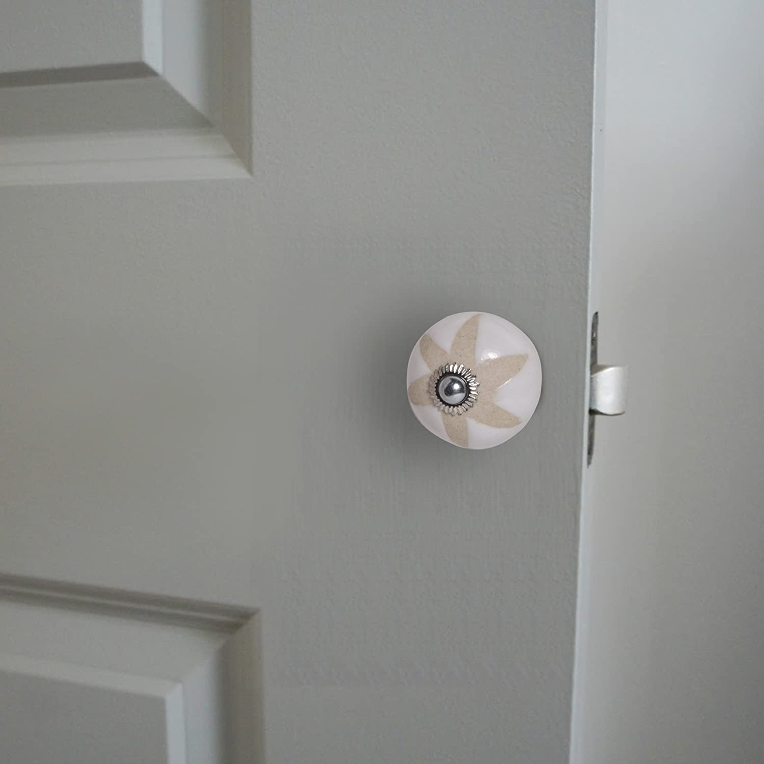 4x2.25x2.25 KNOBS CARTs White Abstract Casual Ceramic Door Knob Pack of 10 White Colored Knob