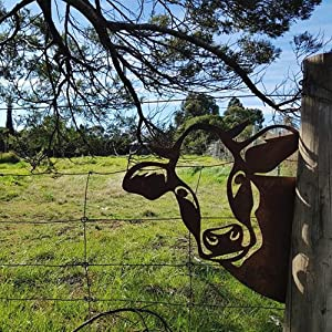 Farm Peeping Cattle Metal Art Outdoor, Garden Peeping Cow Ornament, for Farmhouse Outdoor Garden Decor (Brown)