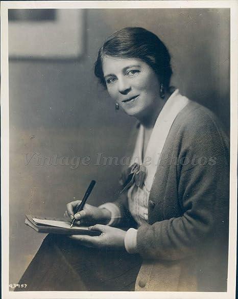 Vintage Photos 1940 Photo Naomi Royde Smith Younger Group English Letters  Balcony Author Rare: Amazon.co.uk: Kitchen & Home