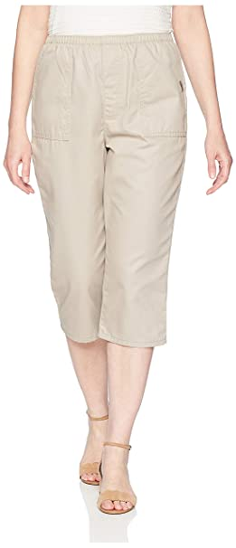 08394dc35bfb3 Chic Classic Collection Women s Plus Size Cotton Pull-on Utility Pocket  Capri with Elastic Waist