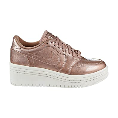 online retailer 9e946 98191 Amazon.com | Jordan Retro 1 Low Lifted Metallic Red Bronze (Womens ...