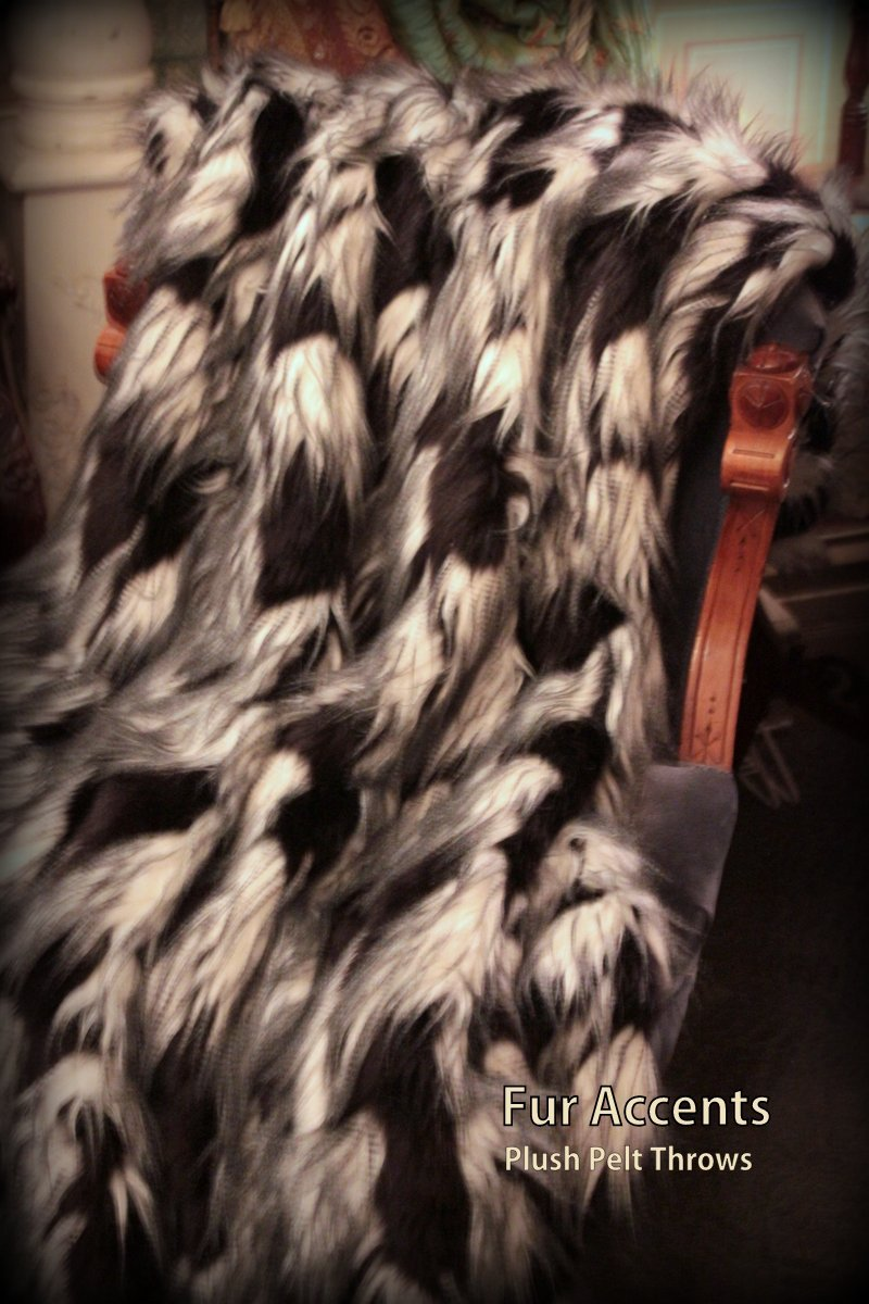 Fur Acents Faux Fur Throw Blanket Black and White Exotic Feather 60'' X 70''