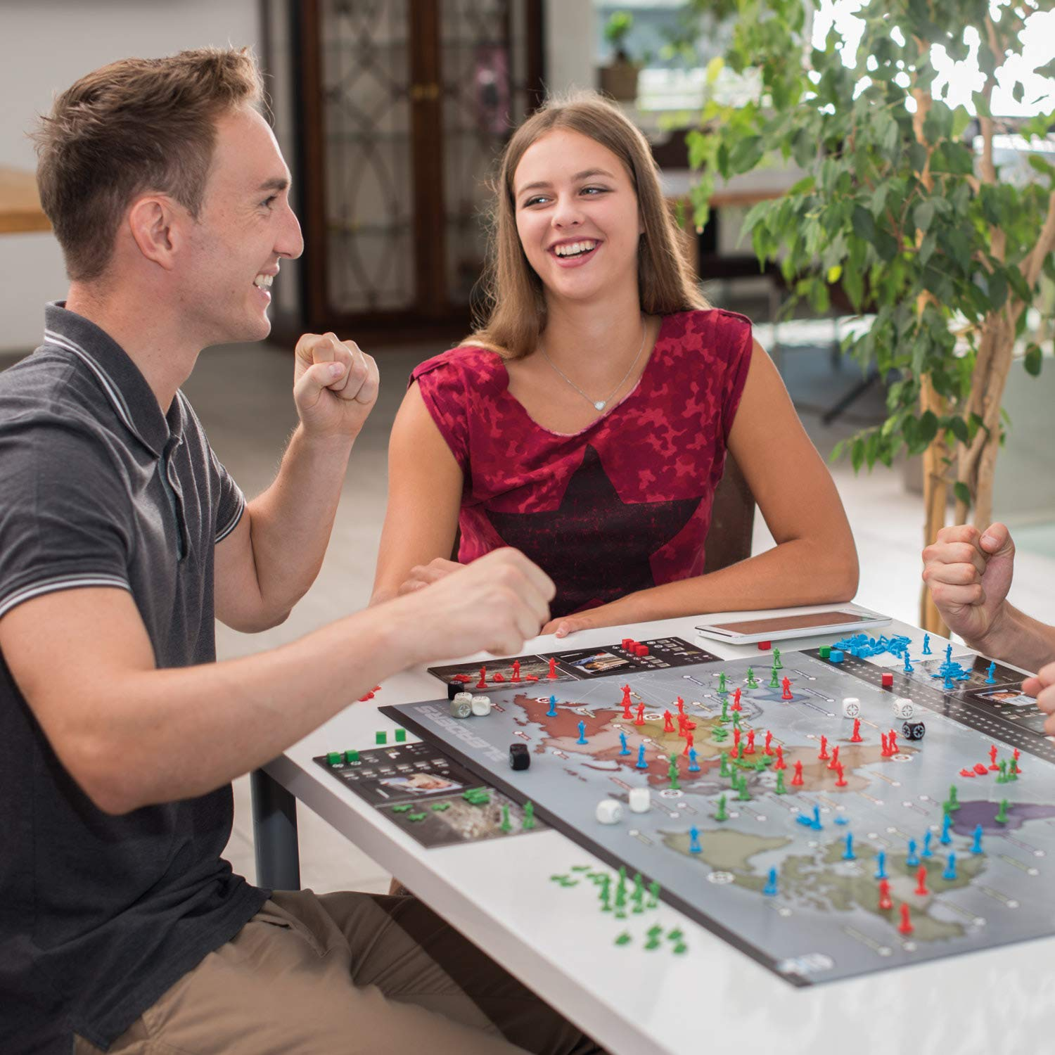 Rudy Games - Leaders 2019 - Interactive Cold War Strategy Board Game with App - for Children 10 Years and Up and Adults by Rudy Games (Image #3)