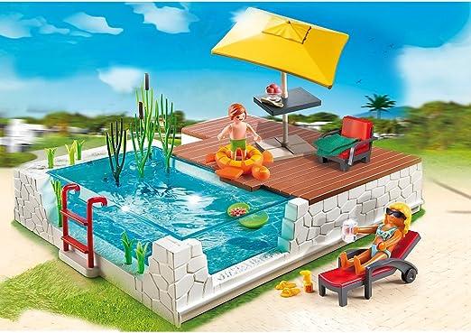 Playmobil Piscina con Terraza - (incluye dos figuras Playmobil, tumbona, mesa, silla, anillo de goma y muchos más accesorios): Amazon.es: Jardín