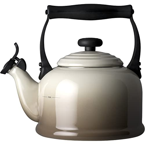 le-creuset-traditional-kettle-2-1-litre-nutmeg