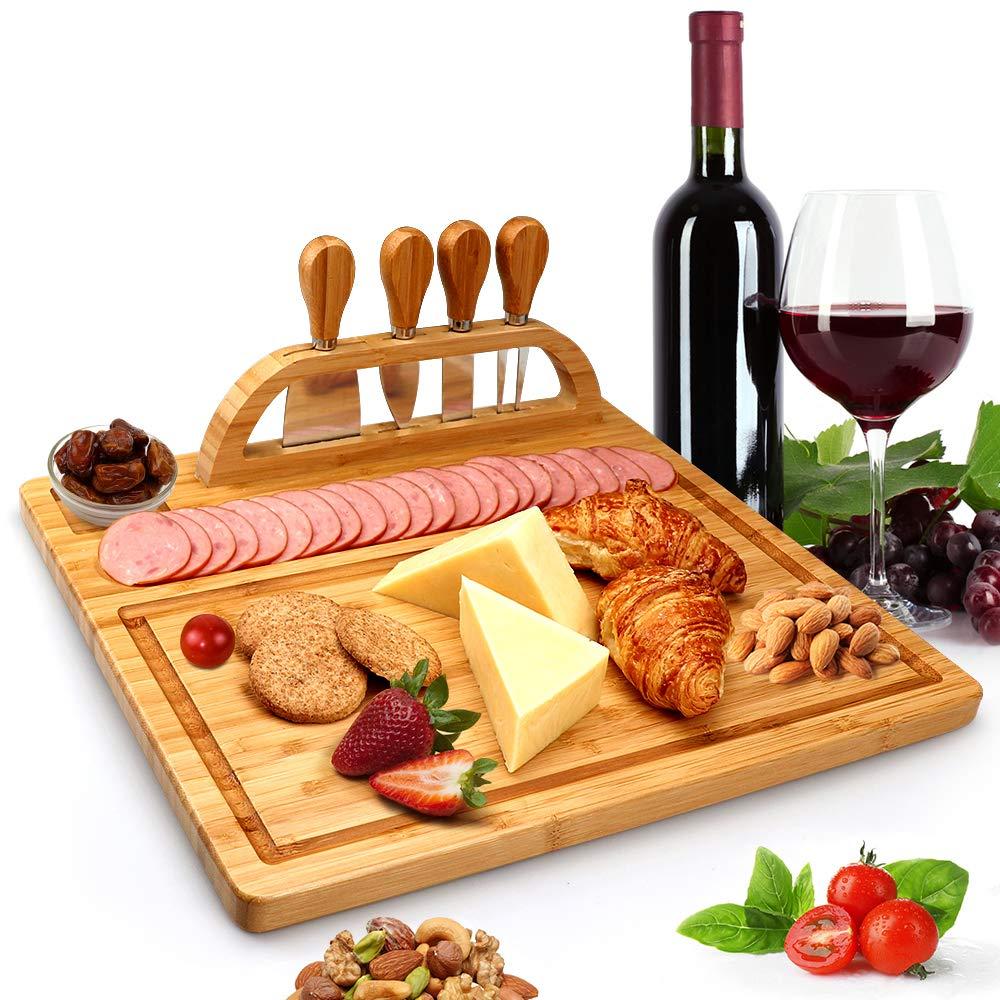 竹製チーズボードセット スレートボードとツールホルダー付きチーズトレイ 木製セラミックハンドル付きチーズナイフ4本 木製サービングトレイ1個 肉 果物 チーズに ウェディングギフトに最適   B07QM436VN