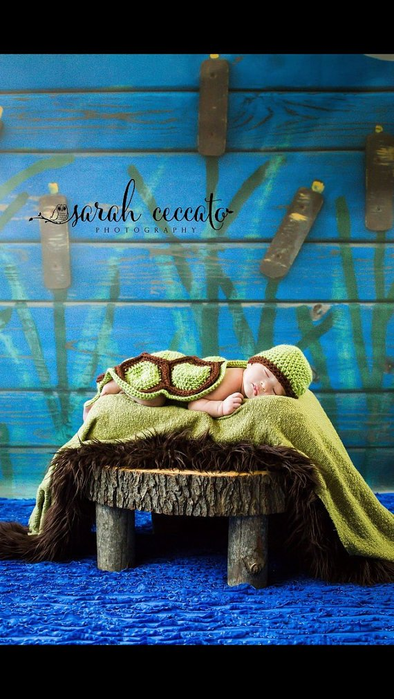 NEW Rustic Wood Slice Bed, Baby Photography Prop, Baby Bed, Wood Slice Bed, Photography Prop