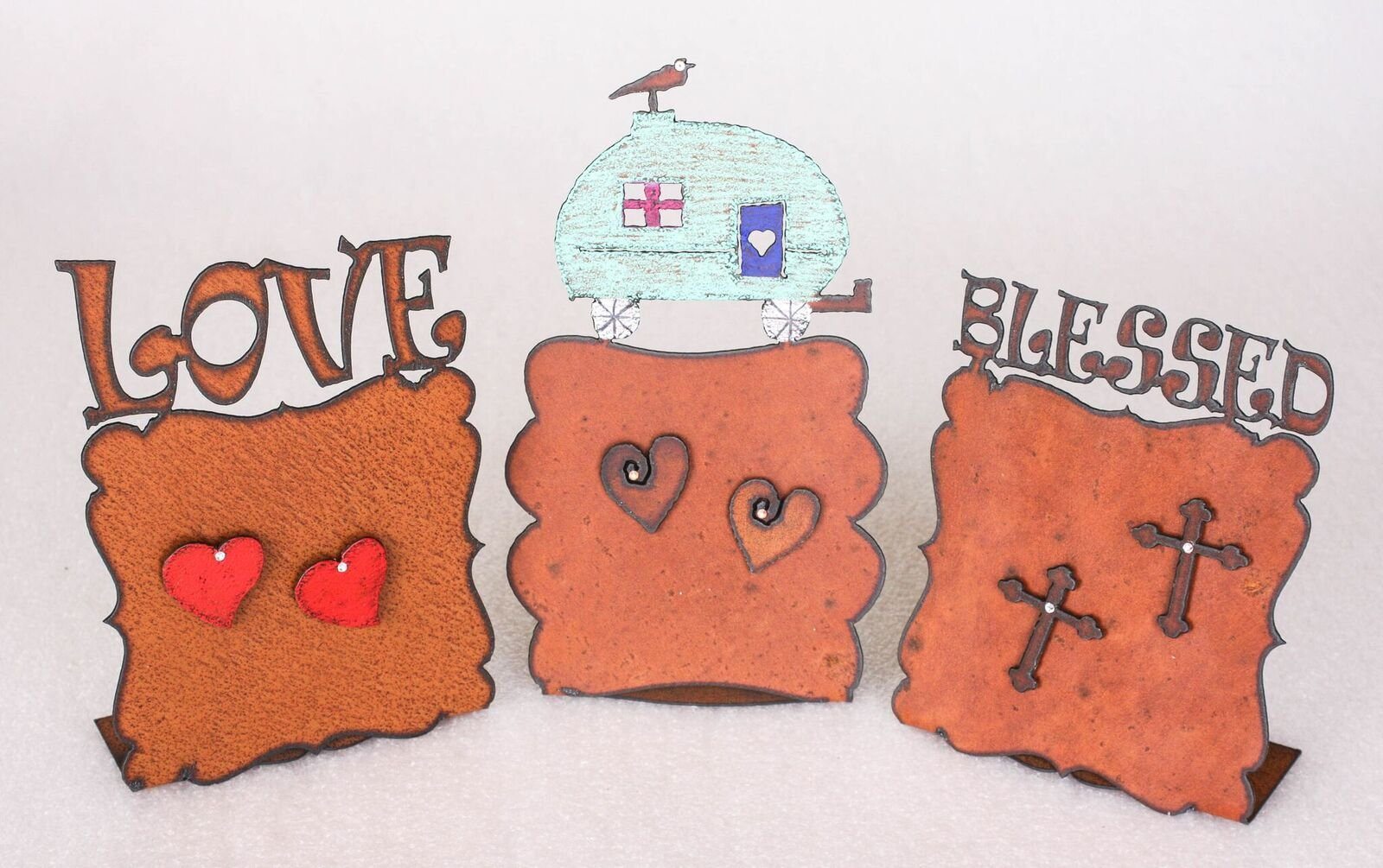 Love Rust Frame With Two Heart Magnets With Crystals