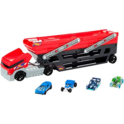 Hot Wheels Mega Hauler and 4 Cars Set: Toys & Games